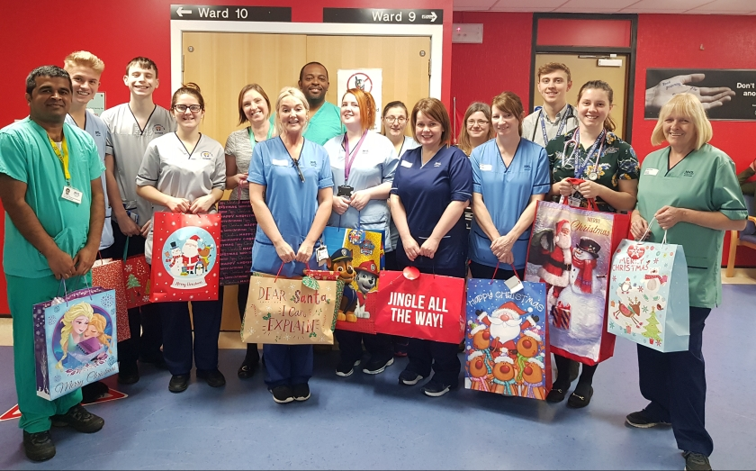 13-12-17 Ninewells staff support local children this Chirstmas