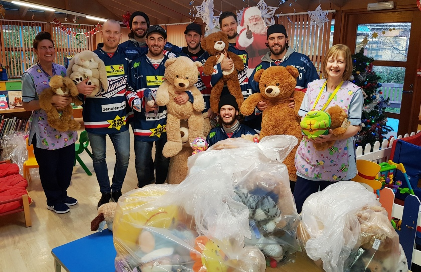MAIN Check it out -  Dundee Stars visit Tayside Children's Hospital.jpg