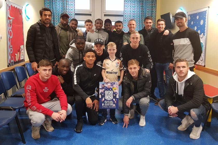 MAIN Dundee FC bring festive cheer to Ninewells - Odhinn Imrie.jpg