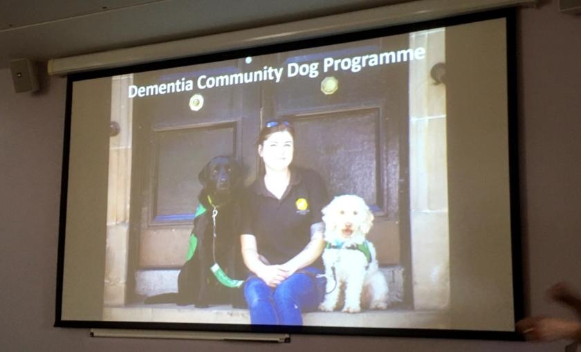MAIN Dementia community dogs visit Murray Royal (2)