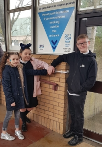 MAIN Local children ask smokers at Ninewells to stub it out (2)